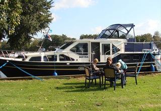 http://www.yachtcharterwetterwille.nl/uploads/images/reisverslagen/buitjes.jpg
