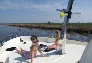 http://www.yachtcharterwetterwille.nl/uploads/images/reisverslagen/catfish1.carlijn_001.jpg