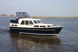 http://www.yachtcharterwetterwille.nl/uploads/images/schepen-klein/antares_2017__3_.JPG