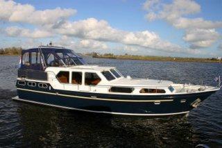 http://www.yachtcharterwetterwille.nl/uploads/images/schepen-klein/rubicon__17_.JPG
