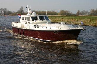http://www.yachtcharterwetterwille.nl/uploads/images/schepen-klein/solyd__6_.JPG
