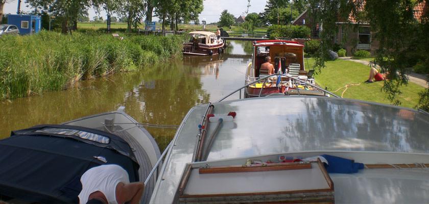http://www.yachtcharterwetterwille.nl/uploads/images/slider/2e-weekend-ymkje-010.jpg