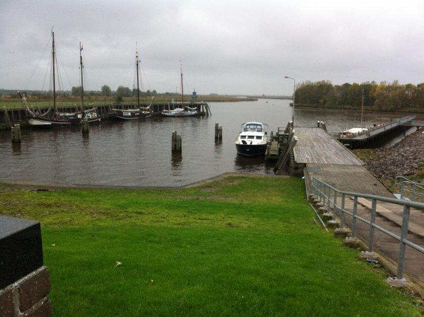 http://www.yachtcharterwetterwille.nl/uploads/images/slider/Iphone_604.jpg