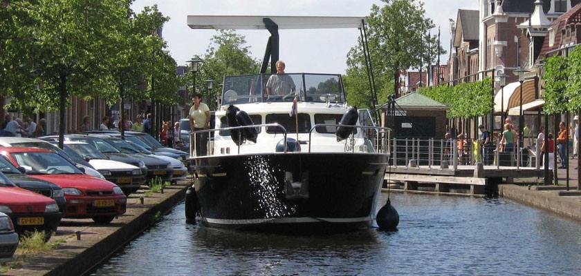 http://www.yachtcharterwetterwille.nl/uploads/images/slider/bootverhuur-a012.jpg