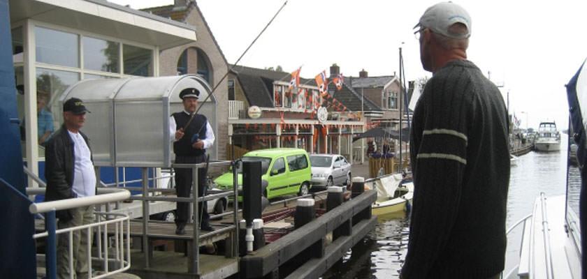 http://www.yachtcharterwetterwille.nl/uploads/images/slider/reisverslag-Rijsenhout-01.jpg