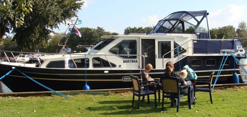 http://www.yachtcharterwetterwille.nl/uploads/images/slider/reisverslag-buitjes-01.jpg