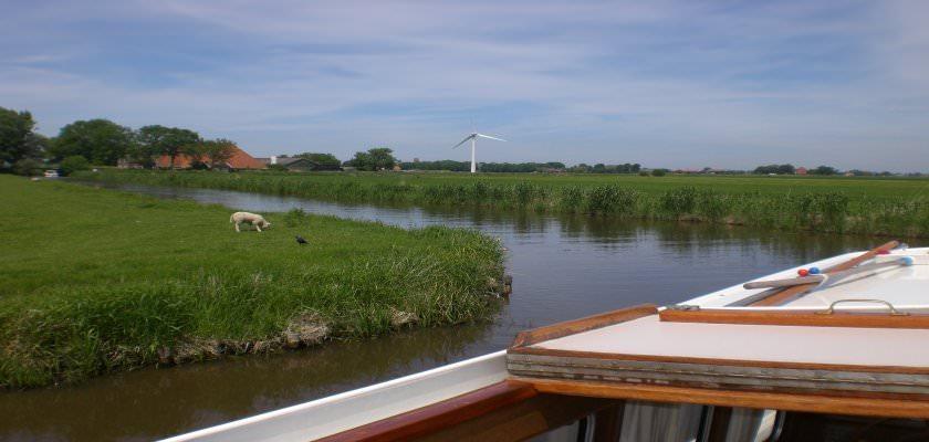 http://www.yachtcharterwetterwille.nl/uploads/images/slider/weekend_ymkje__2_.JPG