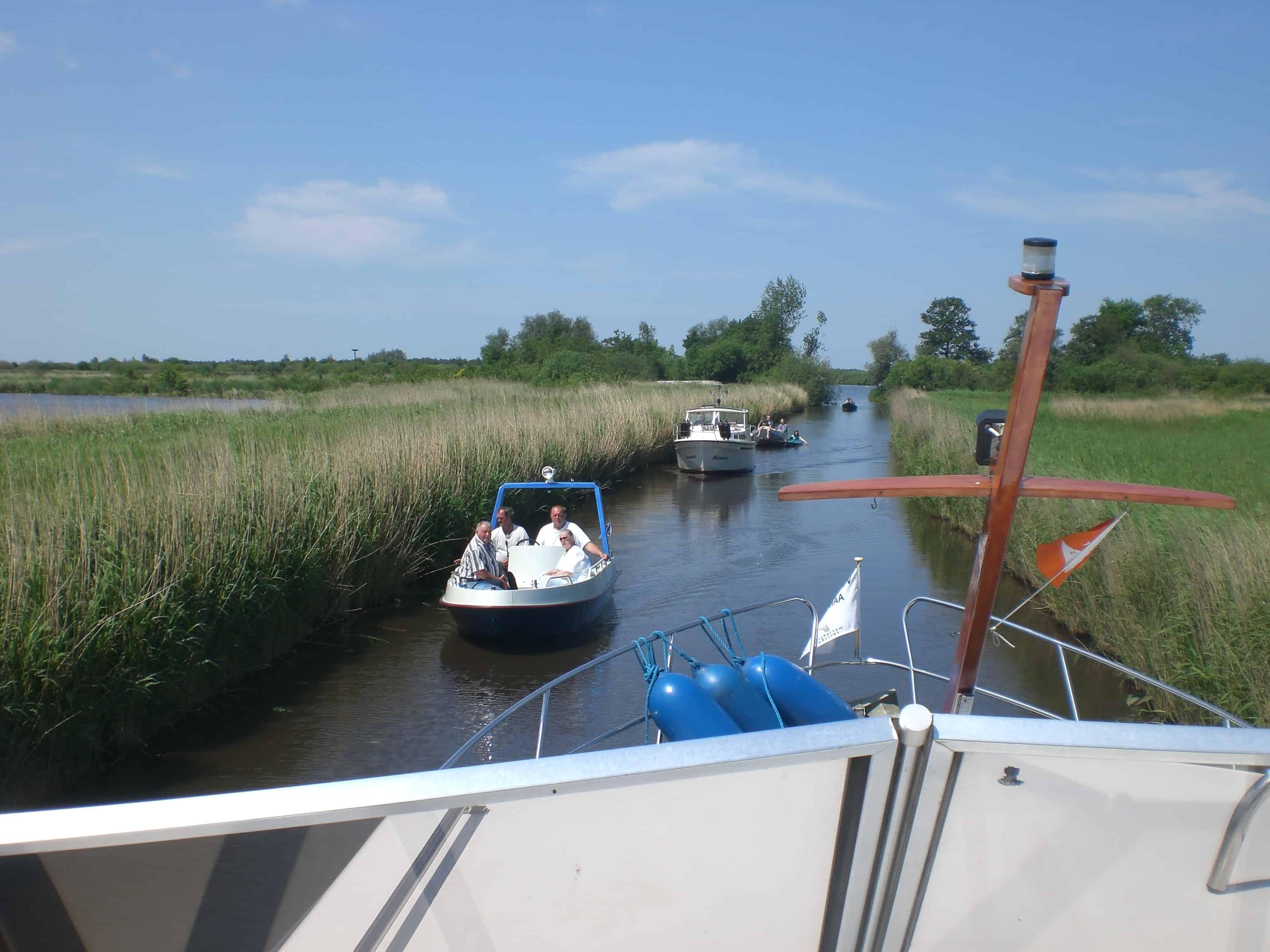 hausboot mieten holland yachtcharter wetterwille. Black Bedroom Furniture Sets. Home Design Ideas